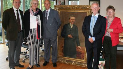 Portretten Arthur Putzeys en echtgenote overhandigd