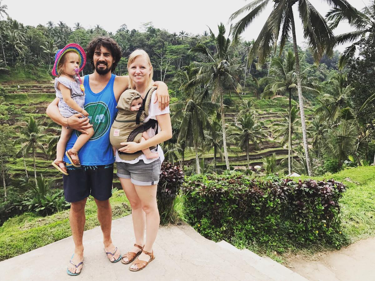 Urlings met zijn gezin: 'Ik heb twee kindjes van 1 en 3 en een prachtige vrouw. Samen reizen we graag over de wereld'