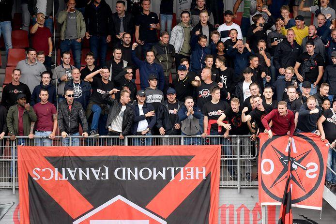 De supporters van Helmond Sport, ook die van Vak-O, verlengen nu al hun seizoenkaart.