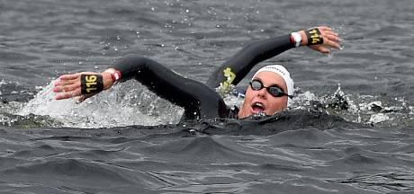 Van Rouwendaal pakt zilver bij 25 kilometer zwemmen na ongekende inhaalslag