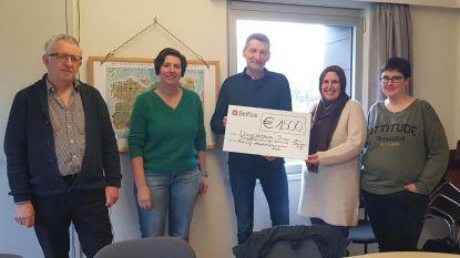 Pizzaverkoop ziekenhuismedewerkers levert 1.500 euro op voor twee goede doelen