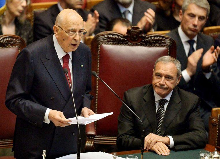 De Italiaanse president Napolitano aanvaardt een laatste maal het ambt op 22 april 2013. Beeld afp