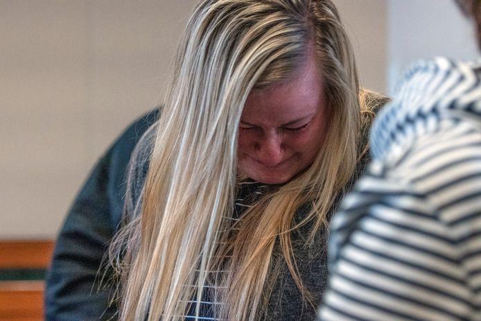 Een familielid van Jayme Closs reageert aangeslagen in de rechtbank