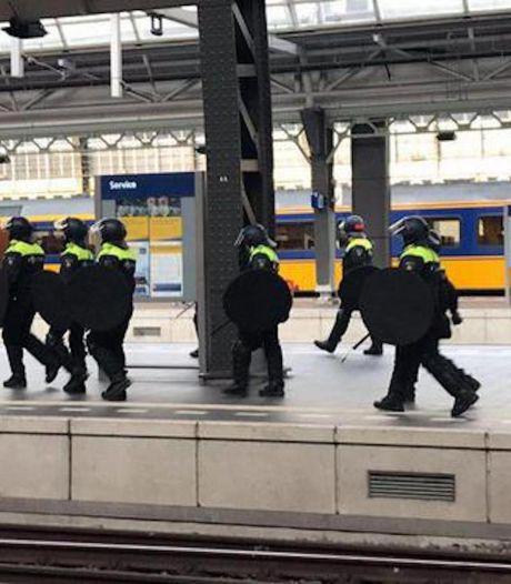 Verklaringen lijnrecht tegenover elkaar: 'Gezellige dag' Willem II-fans strandde al op station