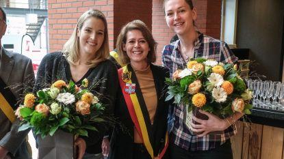 Ieper zet basketkampioenes Emma en Kim in de bloemen