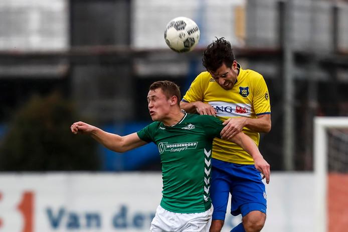 Giovanni Henskens van Dongen in duel met Wessel Witbreuk HSC'21.