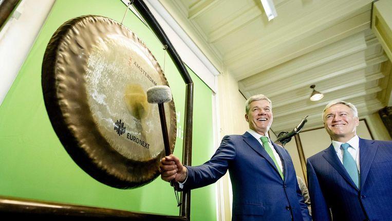 Met een gongslag wordt het startsein gegeven voor handel in het aandeel Ahold Delhaize. Beeld anp