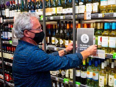 Supermarkten in Dordrecht: 'Gezeik om alcohol na 8 uur? Dan sluiten we de boel'