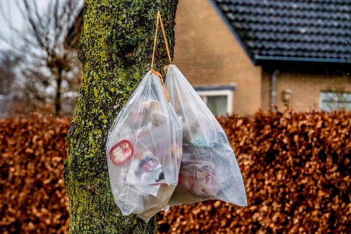Vaak leidt de manier waarop huishoudelijk afval wordt aangeboden tot klachten. Foto ter illustratie.