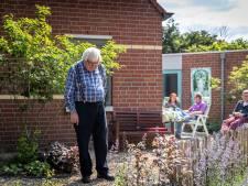 Buren van Gerard (84) toveren 's nachts stiekem zijn tuintje om: 'Ik dacht: hoe kan dat nou?'