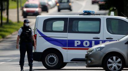 Franse moeder vindt twee dochtertjes (4 en 6) dood in bed