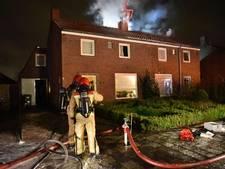 Schoorsteenbrand aan Speelheideweg in Best, flinke schade aan twee woningen