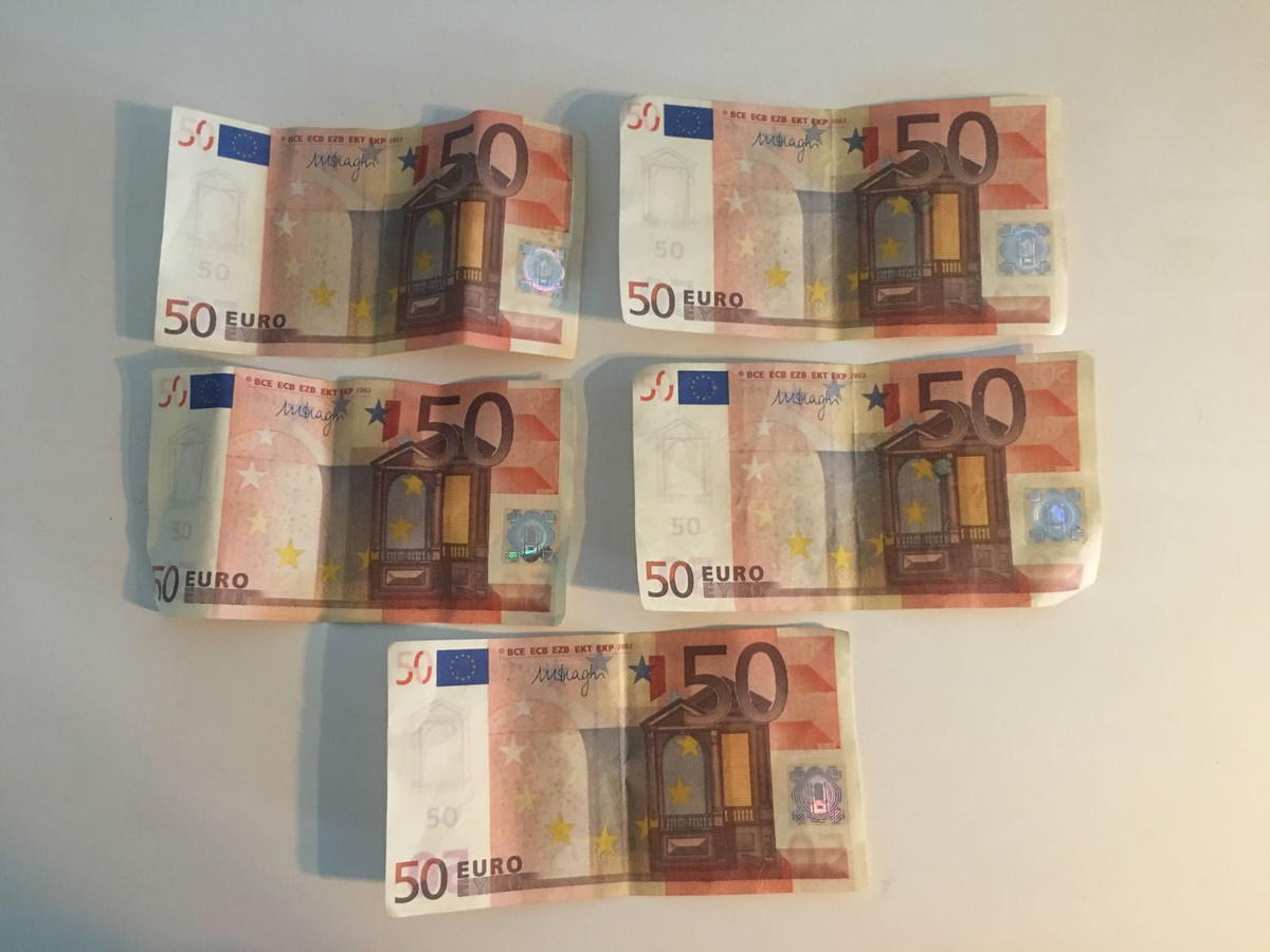 Valse briefjes van 50 euro.