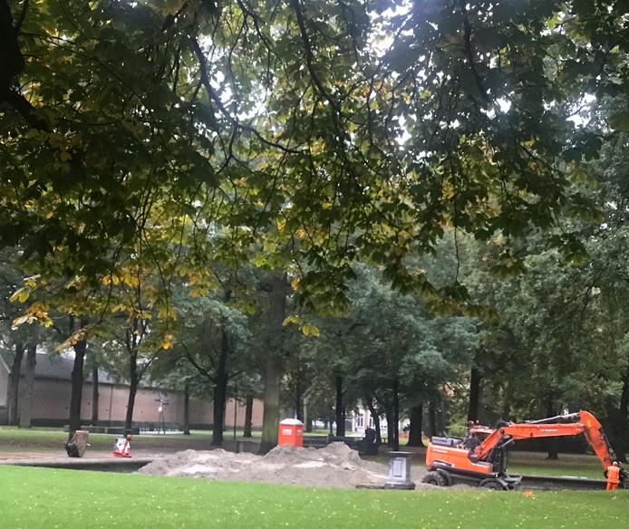 De gemeente Breda is al begonnen met het grondwerk. Deze week wordt het vierkant bestraat.