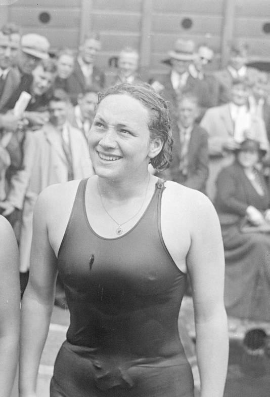 Rie Mastenbroek was de succesvolste Olympische sporter uit Rotterdam ooit. ,,Ze heeft niet eens een straat.''