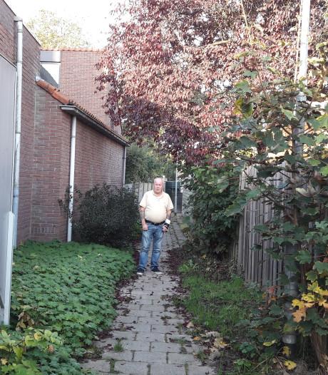 Kappen van bomen en struiken maakt brandgang in Oost-Souburg weer een stuk toegankelijker