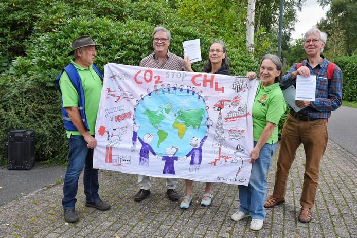 De enige actiegroep op de heidag van Rutte III in Oisterwijk pleitte voor een radicaler klimaatbeleid.