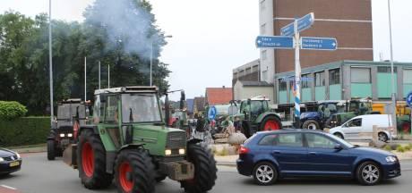 Boeren op de trekker van Wekerom naar Arnhem en van Tiel naar Geldermalsen om aangifte te doen