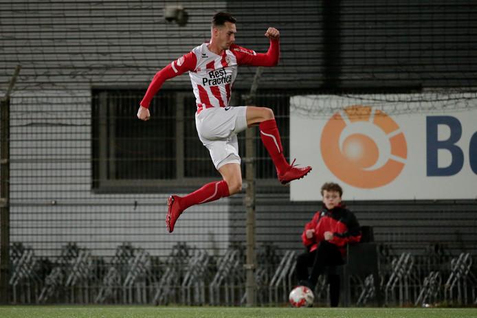 Nieuwkomer Dennis van der Heijden moet voor doelpunten zorgen.