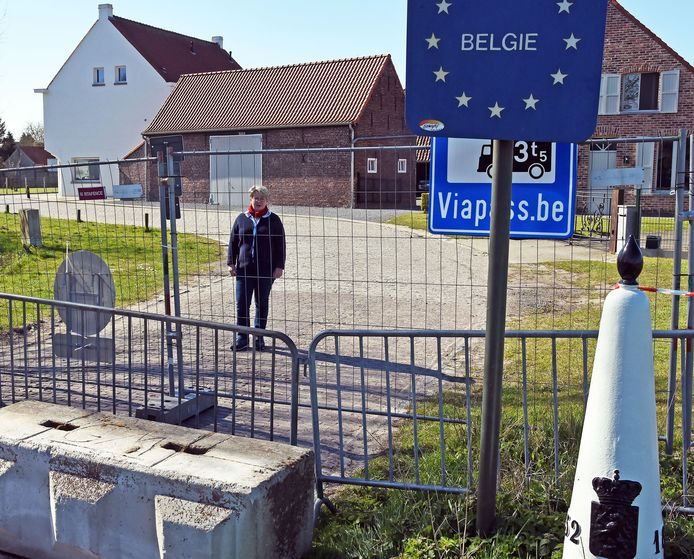 Grensafsluiting tussen België en Nederland. De afsluiting bij Middelburg met Nicole Crul.