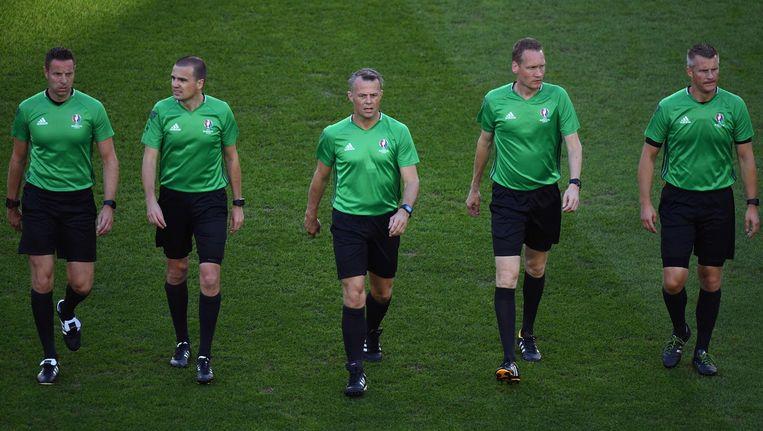 Team Kuipers, met scheidsrechter Björn Kuipers in het midden. Beeld afp