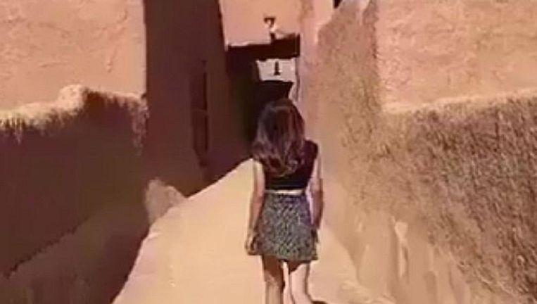 Beeld uit de video van 'Khulood' die rondgaat op Twitter Beeld .