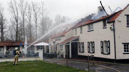 VIDEO: Uitslaande brand legt hoeve zus Sven Nys in de as