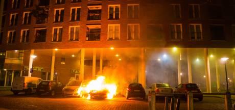 Beestenmarkt schrikt wakker door dertiende autobrand in Deventer in paar maanden tijd