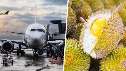 Vliegtuigpassagiers weigeren in te stappen zolang lading stinkend fruit aan boord is