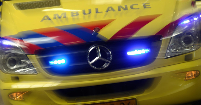 Afbeeldingsresultaat voor ambulance met zwaailicht en sirene