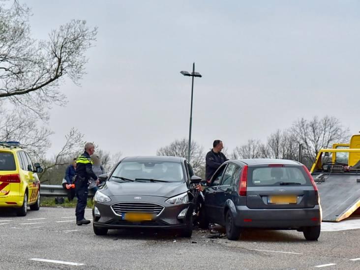 Geen gewonden bij botsing tussen twee auto's in Dongen