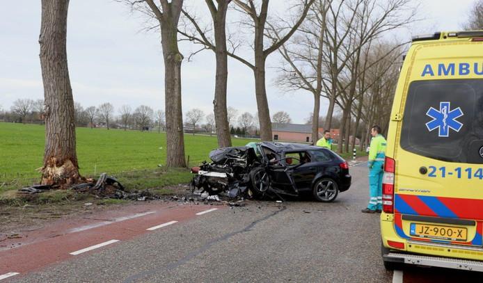 Automobilist uit Veghel komt om het leven bij ongeluk in Vinkel