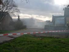 Grote brand in caravanstalling aan Wildersekade