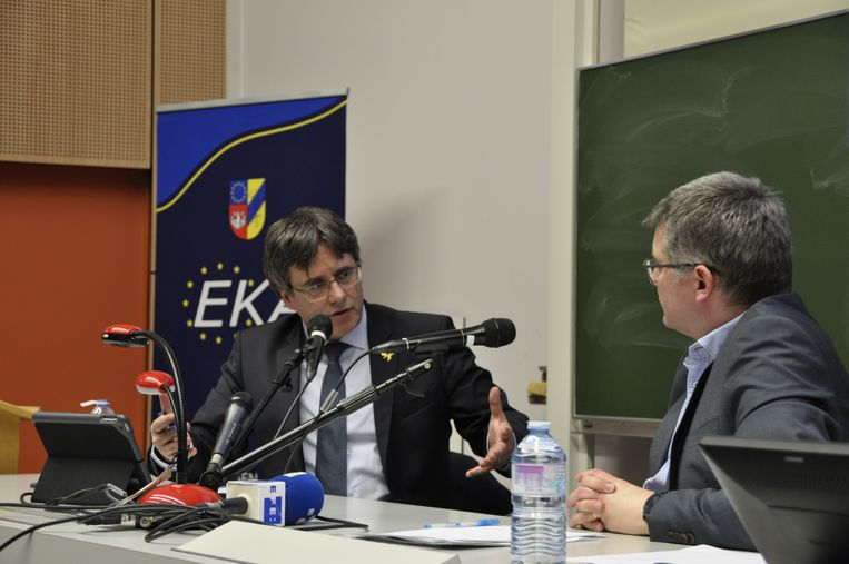 Carles Puigdemont en professor Peter Bursens.