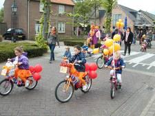 Koningsdag in Zijtaart met versierde fietsen en spellenmiddag