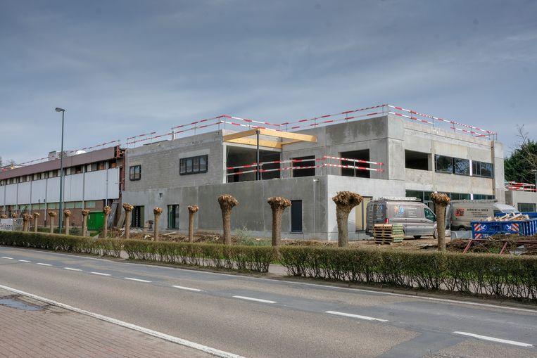 De sporthal in Hoeilaart is momenteel nog in volle opbouw.
