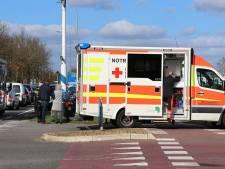 Scooterrijder naar ziekenhuis na aanrijding in Denekamp