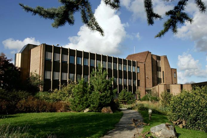 Het voormalige gemeentehuis in Monster