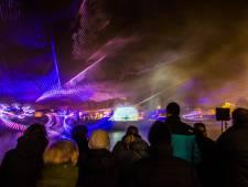 Boekelosebrug in Hengelo geopend met lichtspektakel