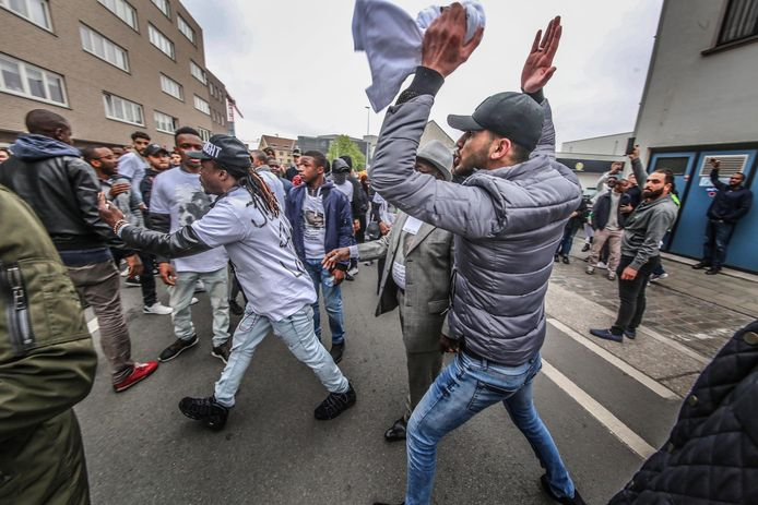 Optocht tegen politiegeweld in Roeselare