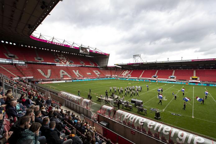 Op maandagmorgen was er weinig meer over van het veld van FC Twente.