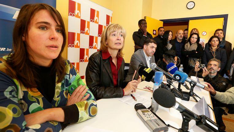 Sarah Turine (links) met de Molenbeekse burgemeester Françoise Schepmans.