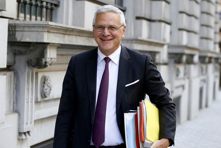 Met het wetsontwerp van minister van Werk Kris Peeters (CD&V) wil de regering meer langdurig zieken opnieuw aan werk helpen.