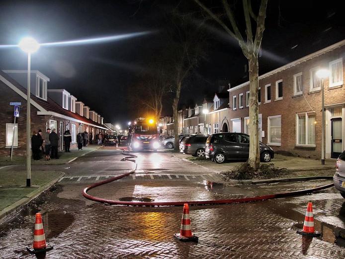 Berging en heg in vlammen opgegaan in Bergen op Zoom.