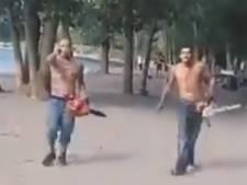 Deux hommes menacent plusieurs personnes avec des tronçonneuses sur une plage de Toronto