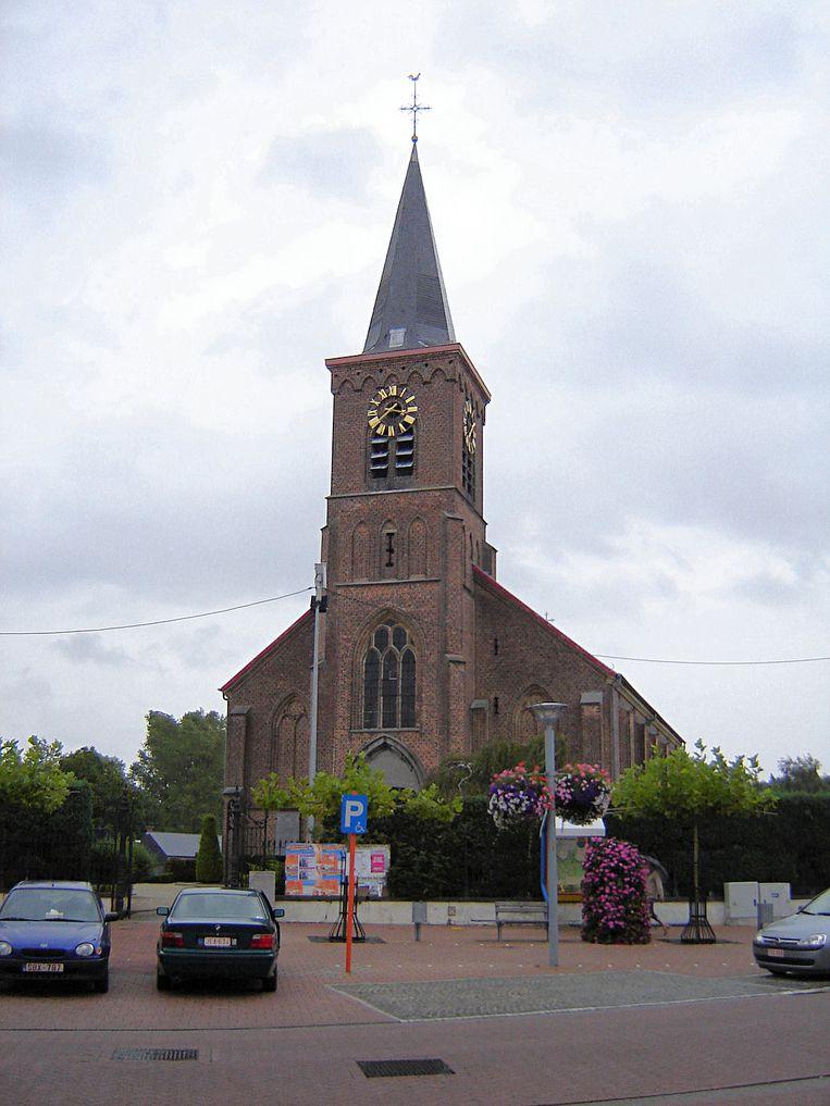 De Sint-Denijskerk in Serskamp.