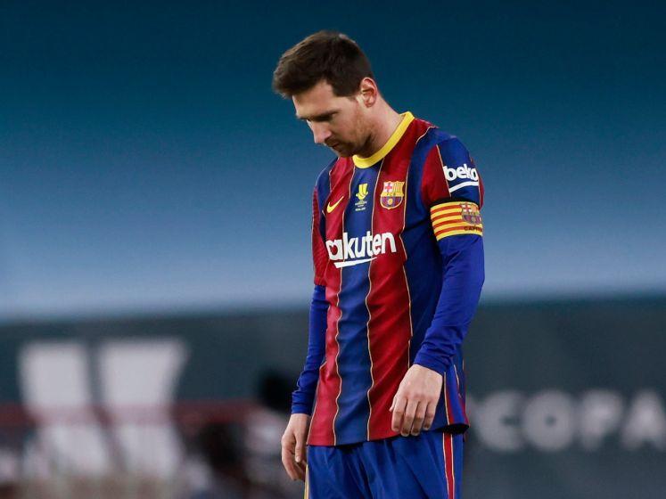 Bekijk hier hoe Messi tegen zijn eerste rode kaart óóit aanloopt