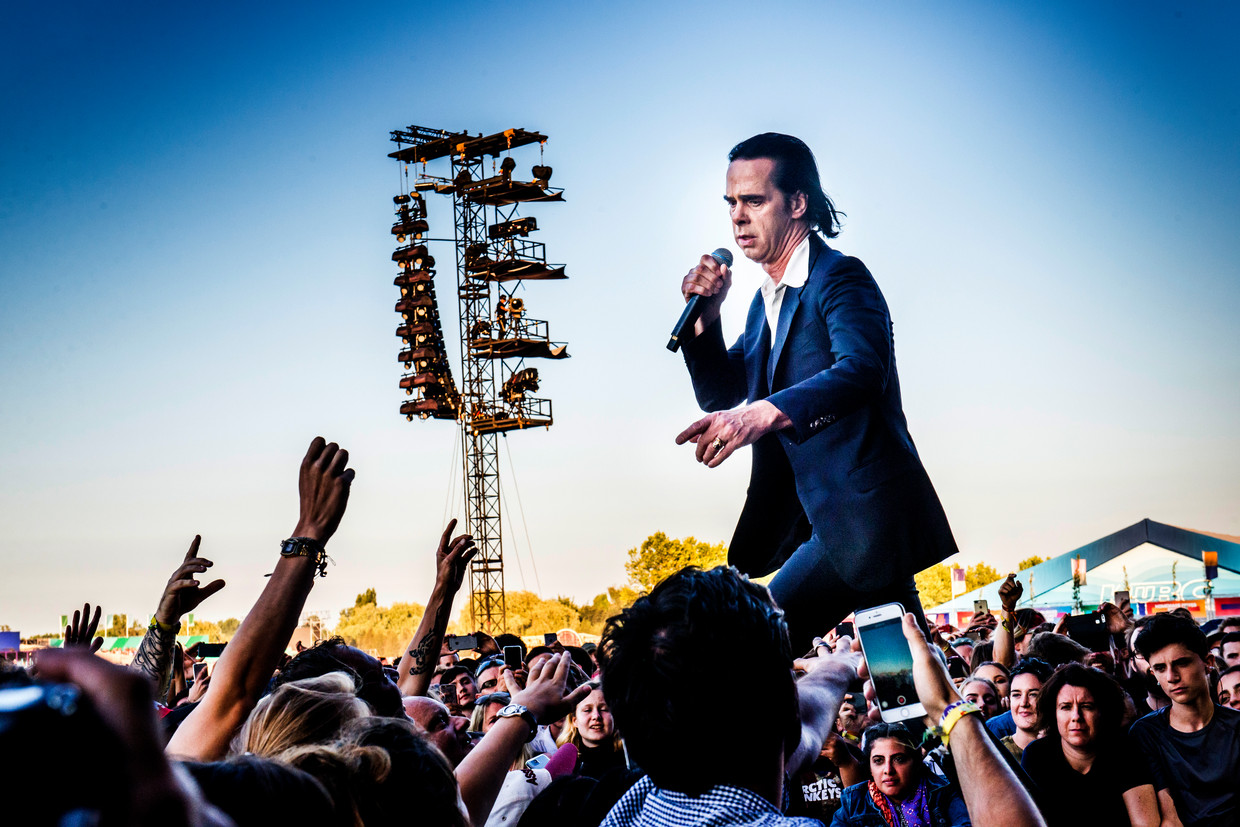 Nick Cave and The Bad Seeds op  Rock Werchter 2018 Beeld Stefaan Temmerman
