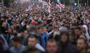 Minsk, afgelopen zondag. Opnieuw gingen honderdduizenden Belarussen, vooral jongeren, de straat op om het aftreden van Loekasjenko te eisen.