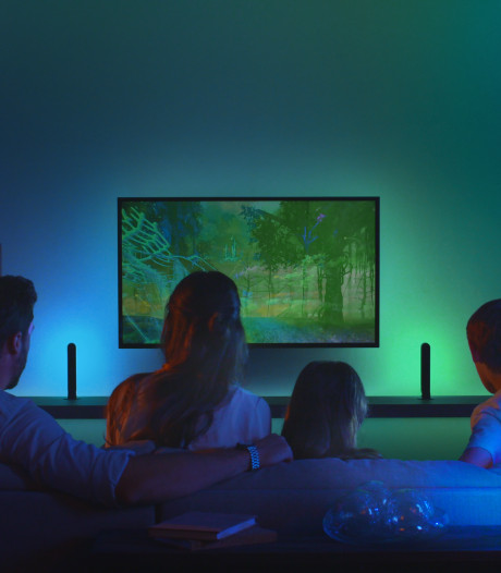Gadgets van Signify uit Eindhoven laten licht in kamer met geluid mee kleuren